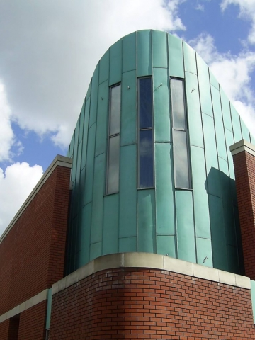PROJECT: IRON HALL CHURCH, BELFAST. ARCHITECT: HALL BLACK DOUGLAS ARCHITECTS MATERIAL. KME TECU PATINA COPPER SYSTEM: TRADITIONAL STANDING SEAM