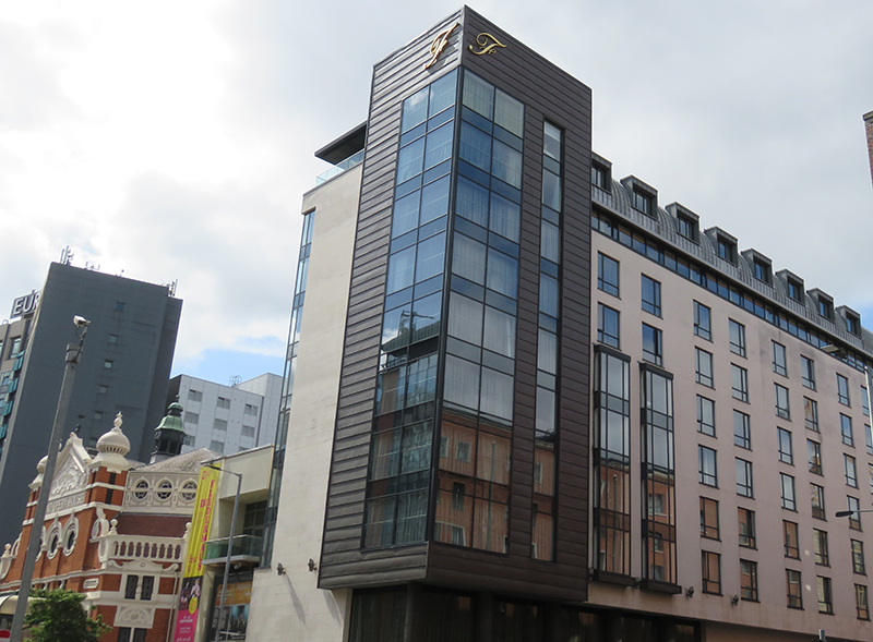 PROJECT: FITZWILLIAM HOTEL, BELFAST MATERIAL: KME TECU OXIDE SYSTEM: TRADITIONAL HORIZONTAL STANDING SEAM CLADDING