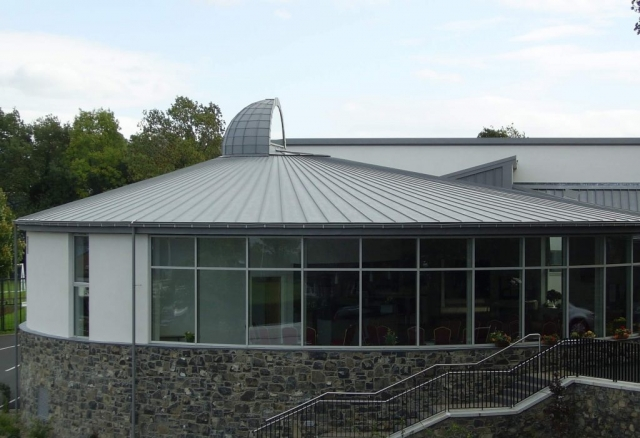 PROJECT: SEAGOE CHURCH, PORTADOWN ARCHITECT: KNOX & MARKWELL ARCHITECTS MATERIAL: VM QUARTZ PLUS SYSTEM: TRADITIONAL STANDING SEAM